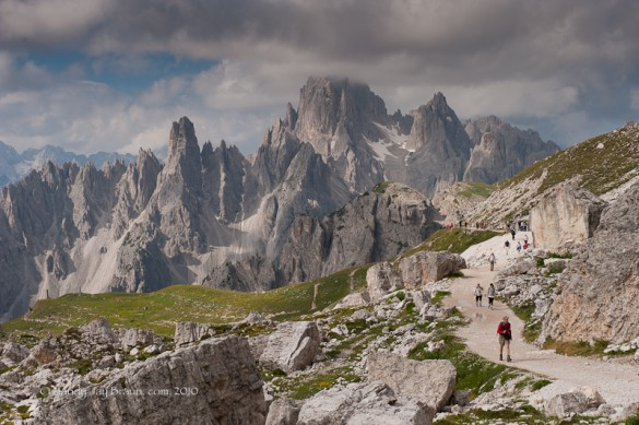 FINANCIAL TIMES - Trekking in the Mighty Dolomites
