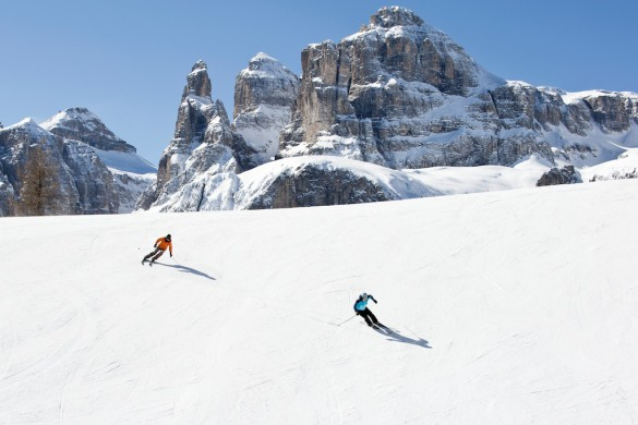 MEN'S JOURNAL - Skiing the Alps, Italian-style