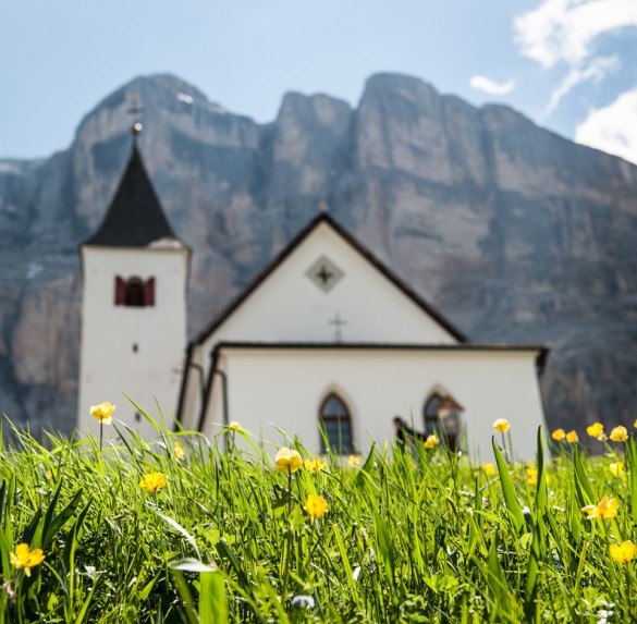Best of the Dolomites: Hiking & Gourmet