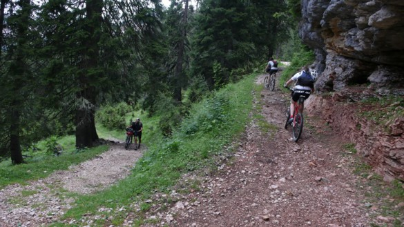 THE SMOKING JACKET – Biking in the Dolomites: A Faceplant into the Italian Alps, by Harmon Leon
