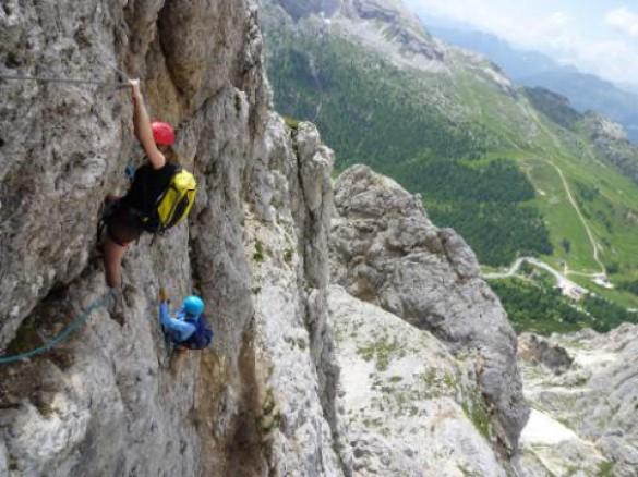 CALGARY HERALD – Climbing Italy's Alps 'via ferrata'   by Suzanne Morphet